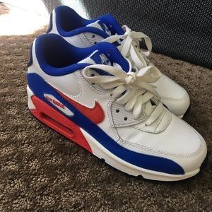 Nike air max  size youth 4